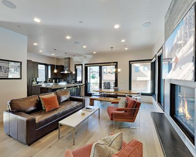 Steps to Frostwood Gondola! Luxury Townhome with Olympic Pool, Hot Tub & Gym - Park City