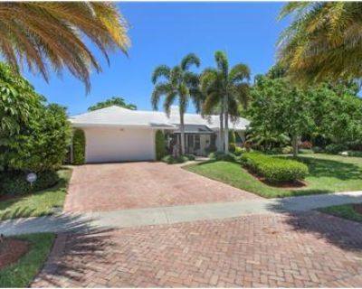 WATERFRONT 3/3 VACATION Home in Boca Raton