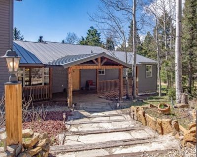 Antler Retreat 6bed,3.5bth, 2.5m from slopes, Hot Tub and amazing outdoor area! - Angel Fire