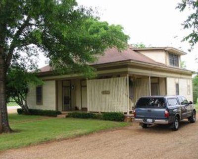 301 South Henderson Street #3, Bullard, TX 75757 2 Bedroom Apartment