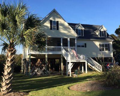 Gorgeous, Spacious Beach House In Beautiful Emerald Isle, North Carolina! - Emerald Isle