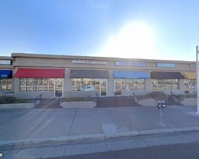 Shop Space Across from UNM 2720 Central Ave SE