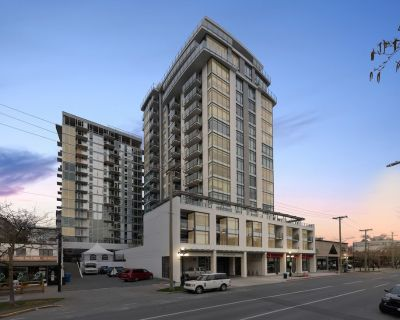 Downtown 1bdr Condo w. Parking and City Views 14th Floor - Harris Green