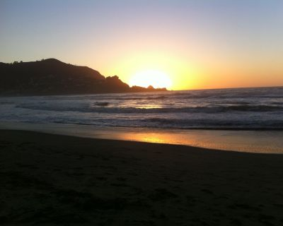 SF area: Elegant Pacific Ocean View, sleeps 10, gourmet kitchen, decks, hot tub - Pedro Point