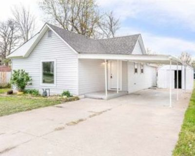 822 N Washington St #1, El Dorado, KS 67042 2 Bedroom Apartment