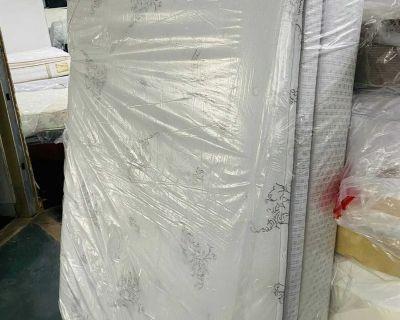 Full size mattress pillowtop