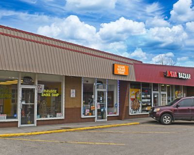 Rare Small Retail Space for Lease on 28th Street - 1546 28th Street