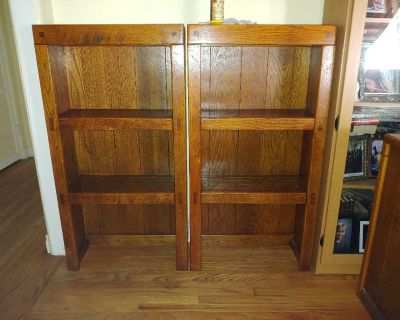 Young Hinkle solid Oak vintage nightstand shelves,price is for both
