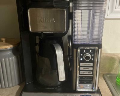 Coffee maker, canister, cup set