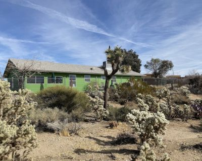 Desert oasis - Hot tub and view - Yucca Valley