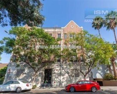 108 S Gramercy Pl #103, Los Angeles, CA 90004 Studio Apartment
