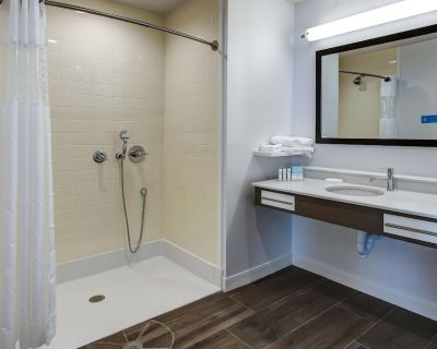2 Connecting Suites with 2 beds and 2 sofabeds at a Full Service Hotel by Suiteness - Wichita