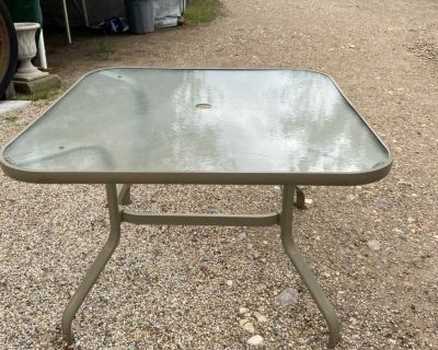 GUC Glass top patio table