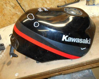 Kawasaki Zx1000 1000 Zx-10 Ninja Fuel Gas Tank Black 1988 1989 88 89 1990