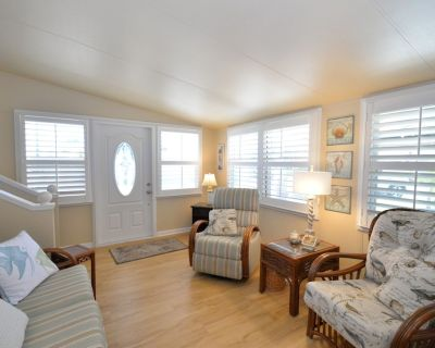 Bay Cottage - 940 sq Ft! Luxury for Your Stay Away - Bradenton