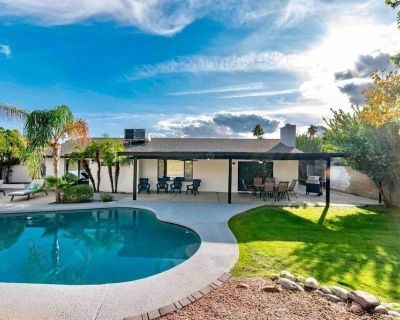 NEW LISTING! Fully Remodeled 4 BR - Open Concept Living with Spacious Backyard & Pool - Paradise Valley Village