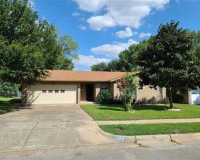 2853 Major St, Fort Worth, TX 76112 3 Bedroom House