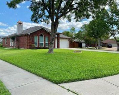6401 Redding Ct, Arlington, TX 76001 3 Bedroom House