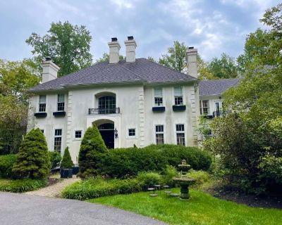 Monumental Colts Neck Luxury Estate Sale in Blacklick
