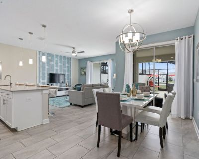 Beautifully Furnished Luxury 4 Bedroom 3.5 Bathroom Town Home with Free Wifi and Private Pool - Champions Gate