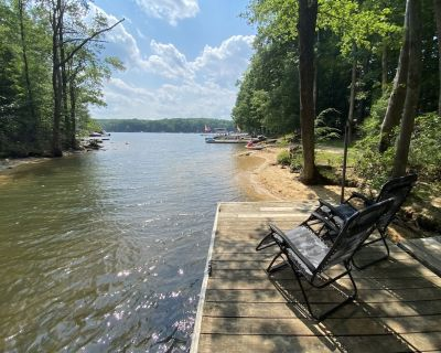 Lakefront, Wooded, & Secluded Home - Family Dogs Welcome. - Penelacres