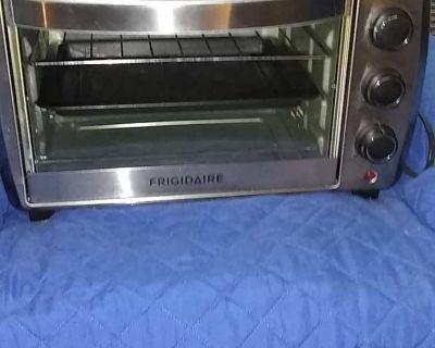 Frigidaire Toaster Oven