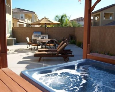 Great Backyard For Dining, Always Hot Jacuzzi - Cathedral City