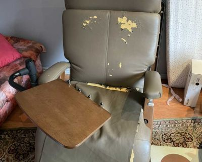 Reclining chair with tablet - Chaise inclinable