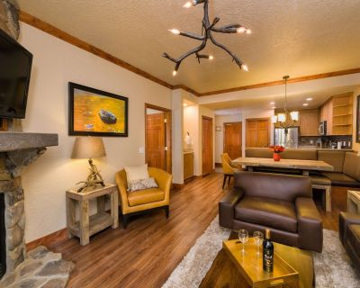 Luxury Condo at the Canyons with Full Kitchen, Living Room, 3 Pools, and Gym! - Park City