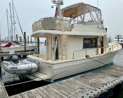 2005 38' Mainship 34 Trawler
