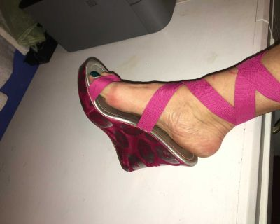 Ankle Wrap Platform Wedge - Hot Pink w/Silver Lips