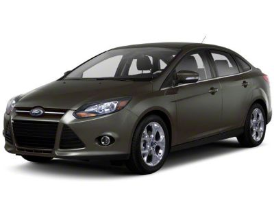 Pre-Owned 2013 Ford Focus SE WINTER PK