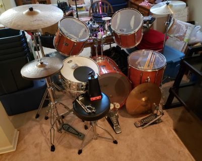 Pearl Export 5 Piece Drum Kit w/Extras