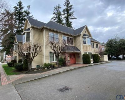Downtown Redmond Office Space For Lease