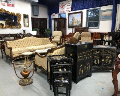 Estate Auction at Stuart Downtown Auction