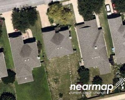 3 Bed 2.5 Bath Preforeclosure Property in San Antonio, TX 78245 - Carswell Peak
