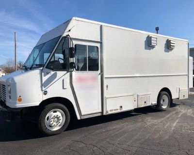 2016 Food Truck Mobile Kitchen - Ford / F550 / 2016