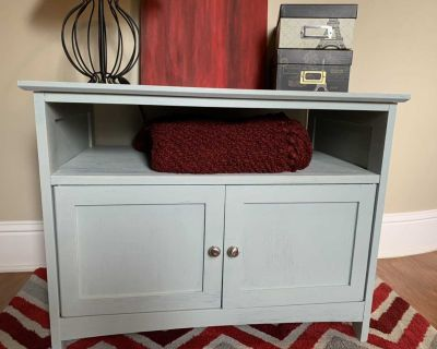 Perfect Accent or Media Table