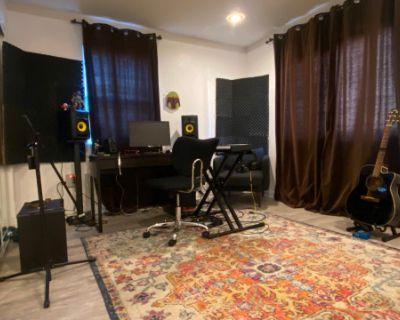 North Hollywood Recording Studio w/ Engineer, North Hollywood, CA
