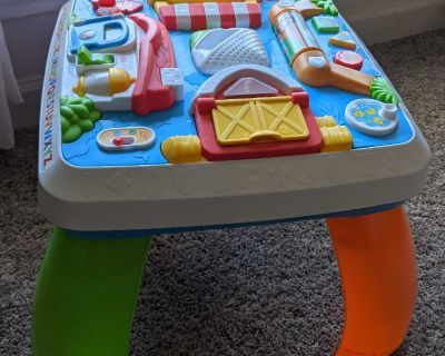 Fisher Price laugh/learn Table