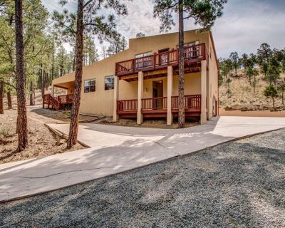 Our Beautiful Home welcomes you for a relaxing get-away!!! - Ruidoso