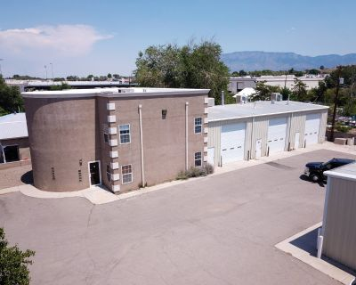 North Valley Industrial Warehouse/Office Spaces For Lease