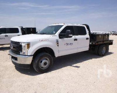 2019 FORD XL SUPER DUTY CREW CAB 4X4 Flatbed Trucks Truck