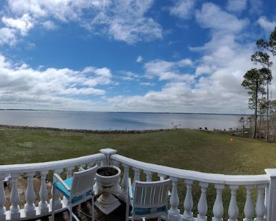 Private chef/cleaner? Stunning, private waterfront home! Close to Pensacola - Milton