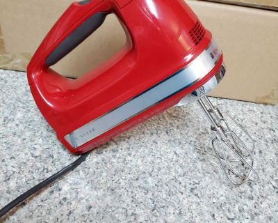 KITCHEN AID, RED HAND MIXER, BRAND NEW NEVER BEEN USED, EXCELLENT CONDITION, SMOKE FREE HOUSE