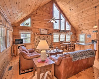 NEW! Pet-Friendly Cabin w/ Porch by Fish Hatchery! - Suches
