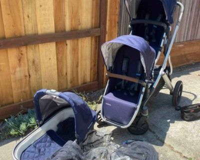 Uppababy Stroller (with rumble seat to convert to a DOUBLE!)