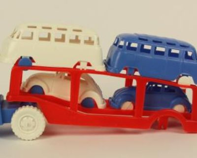 Plastic Auto Hauler Toy W/23 Window Buses and Bugs