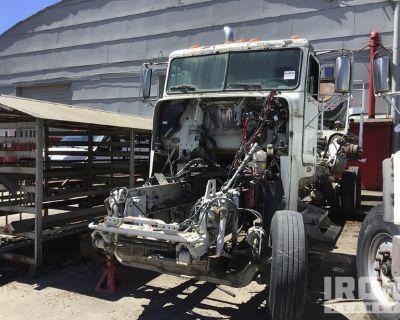 2007 Freightliner FLD120 T/A Mixer Truck