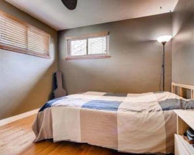 3142 S Corona St, Englewood, CO 80113 Room